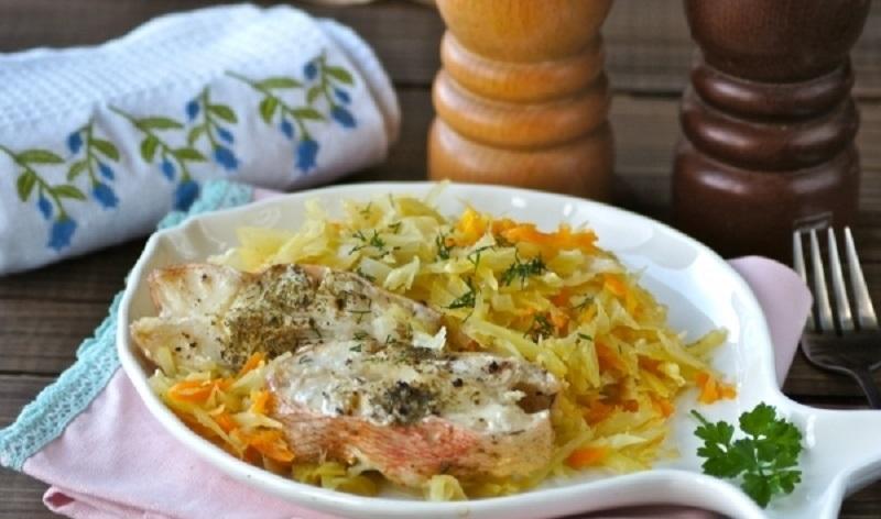 Тушеная рыба с капустой: полезное блюдо для обеда или ужина