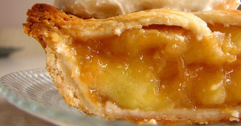 Американский яблочный пирог: лучшая выпечка с фруктами
