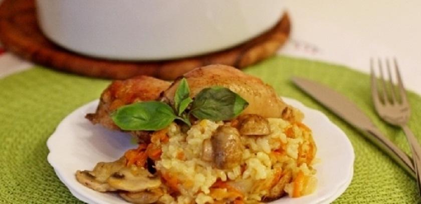 Рис, запеченный с грибами и курицей: ароматное блюдо на обед или ужин
