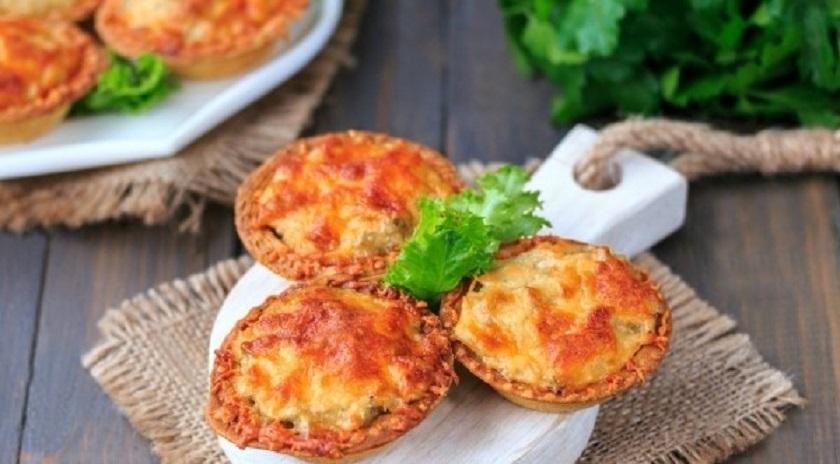 Жульен с сыром и грибами в тарталетках: эффектно и очень вкусно