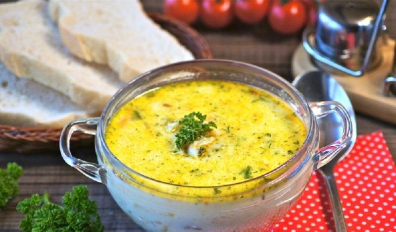 Рыбный суп с плавленым сыром: сытное блюдо для всей семьи