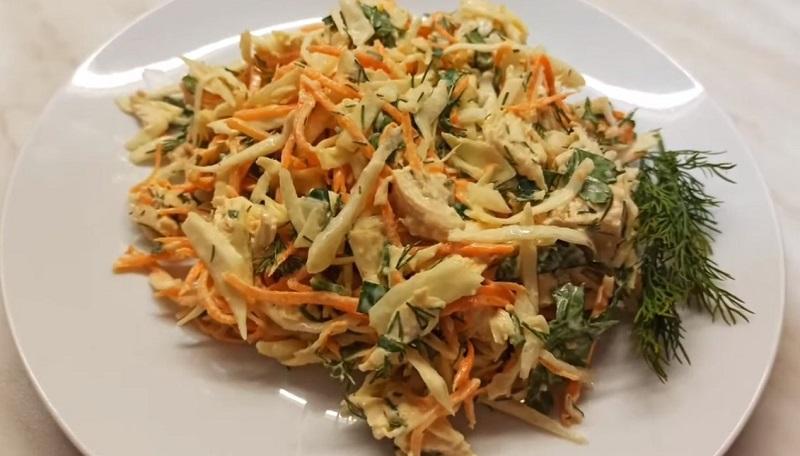 Два салата из белокочанной капусты: простые рецепты вкусной закуски