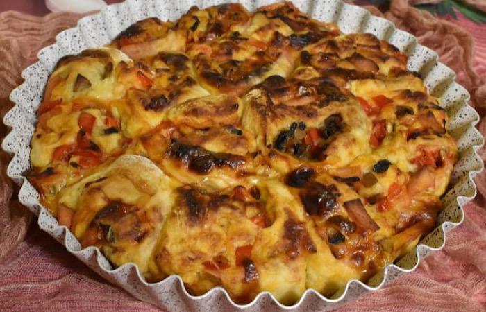 Аппетитный пирог с грибами и ветчиной