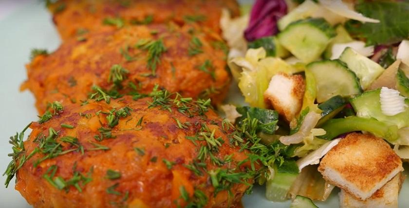 Вкусный ужин из ничего: две картошки, две морковки – и немного мяса