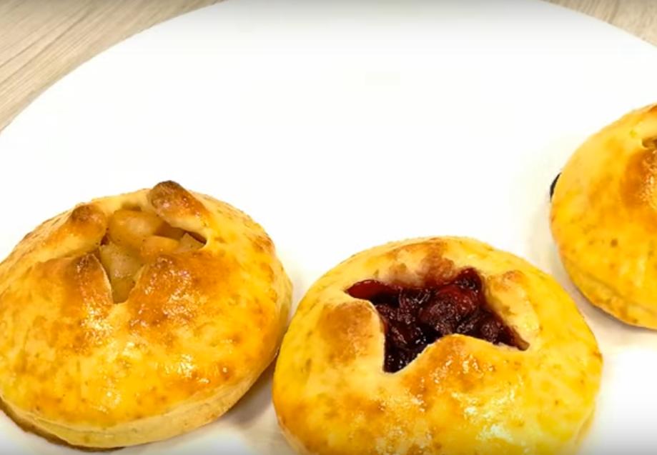 Простейшие пирожки к чаю практически без лепки