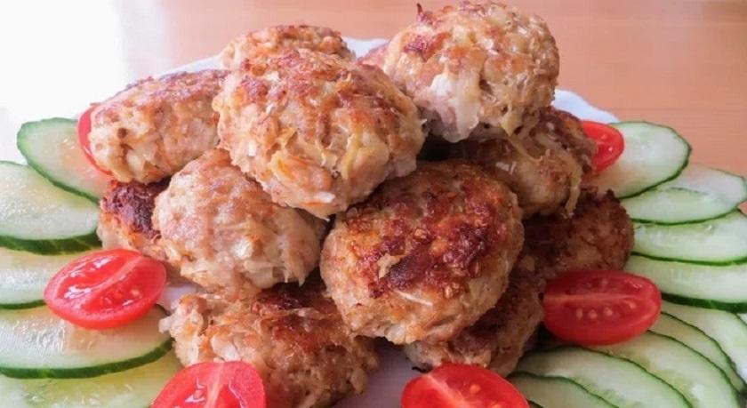 Вкусные домашние котлеты: много вкуса и мало мяса