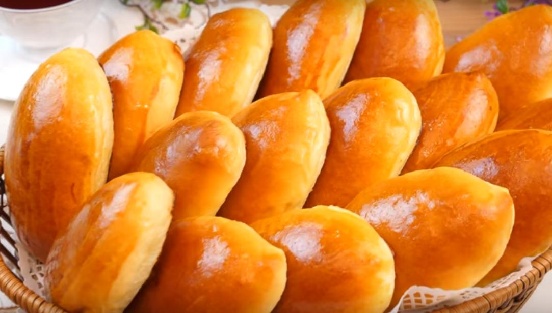 Печеные пирожки с яблочным повидлом