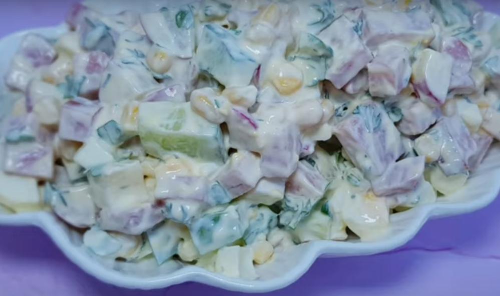 """Быстрый салат из серии """"гости на пороге"""""""