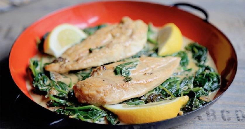 Куриное филе со шпинатом: правильное питание может быть вкусным!