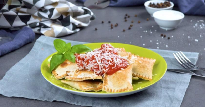 Равиоли из белого хлеба: угощение на каждый день из духовки