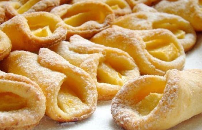 Нежное печенье из творога с яблоком