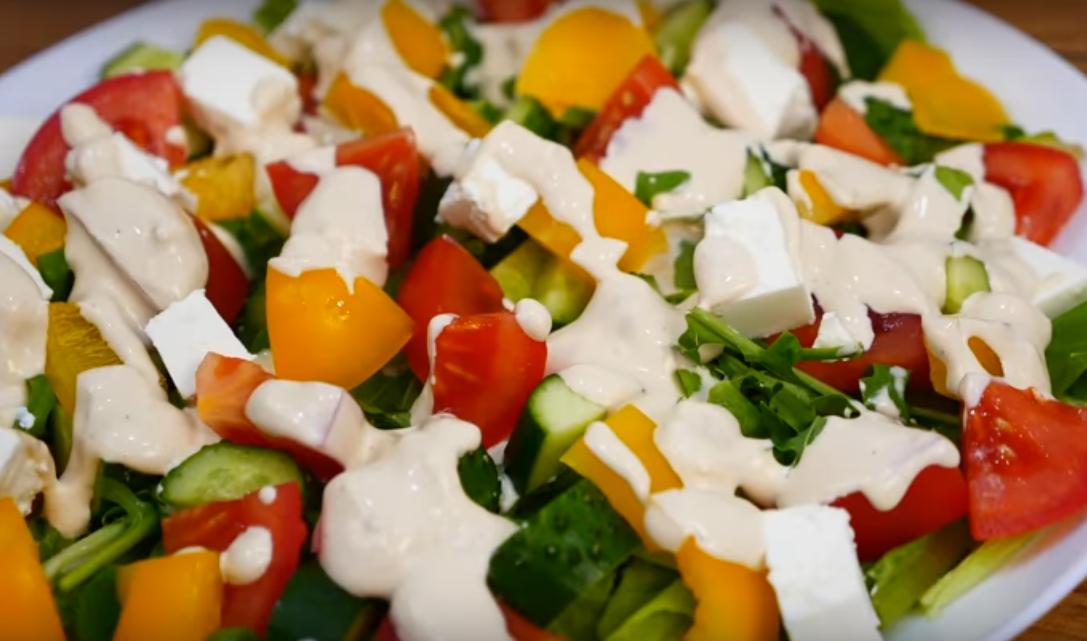 Салат за 5 минут с необычной заправкой