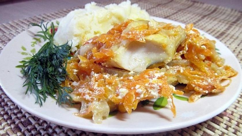 Минтай со сливками и овощным ассорти: готовим куснятину в духовке