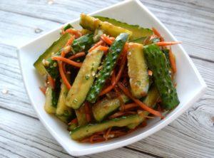 Очень вкусный салат из огурцов