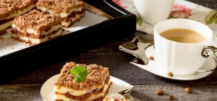 Пирогом с творогом на скорую руку:  отличный десерт для сладкоежек