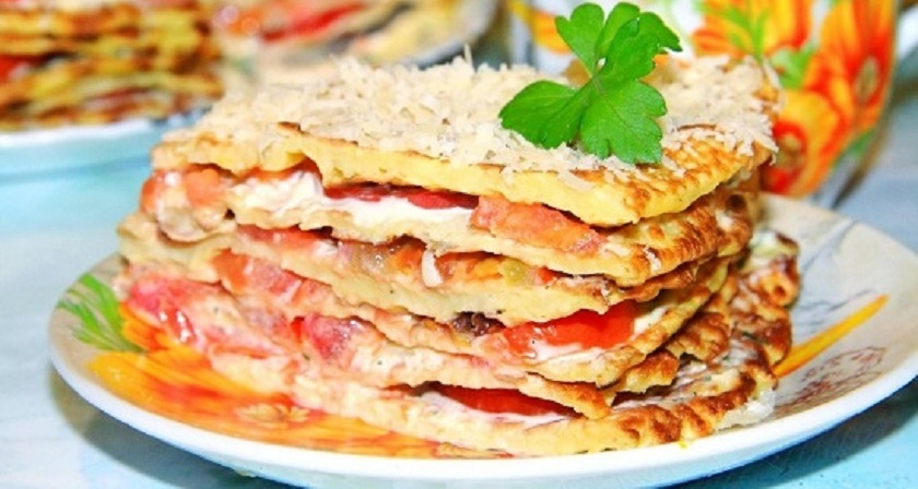 Нежный торт из кабачков с помидорами: любимая многими закуска