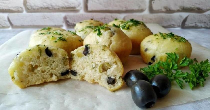Закусочные булочки с оливками: пеку вместо хлеба