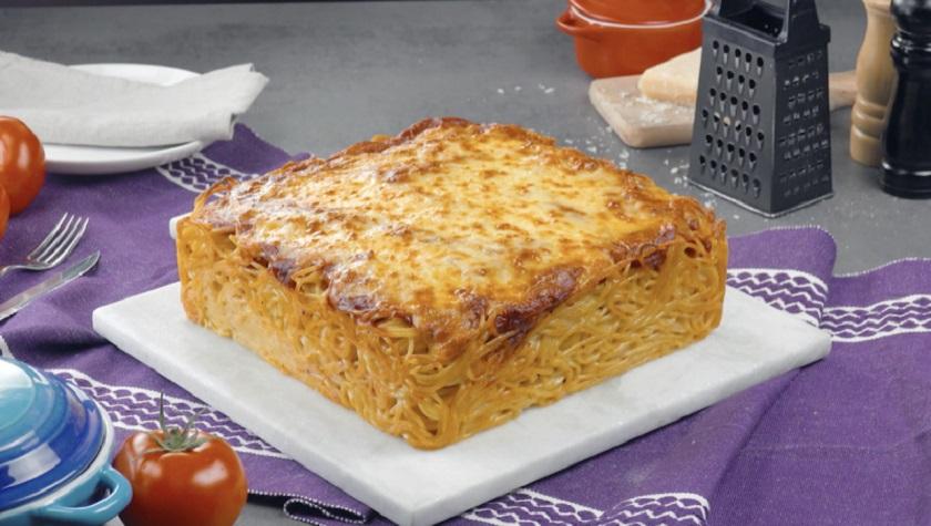 Простой пирог из макарон с курицей и сыром: пальчики оближешь