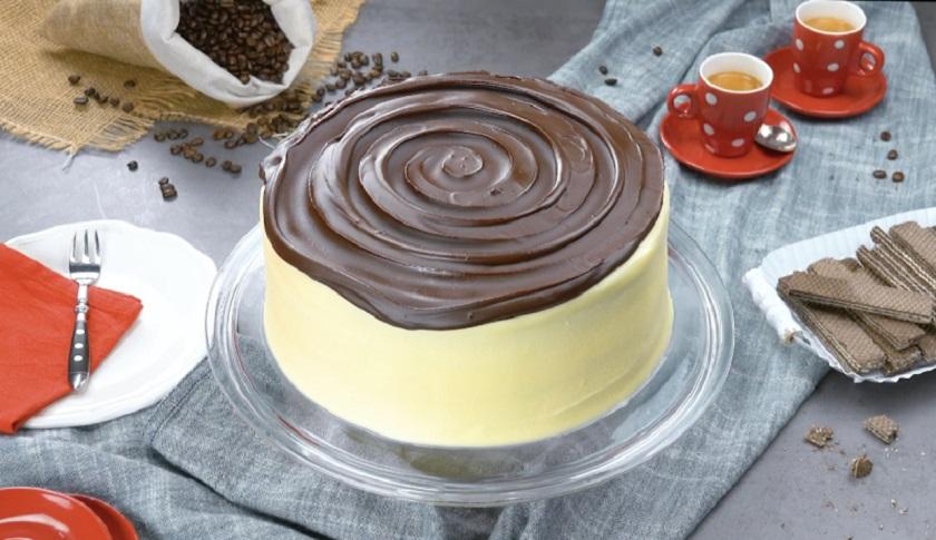 Бисквитный торт «Тирамису»: десерт в хрустящей шоколадной глазури