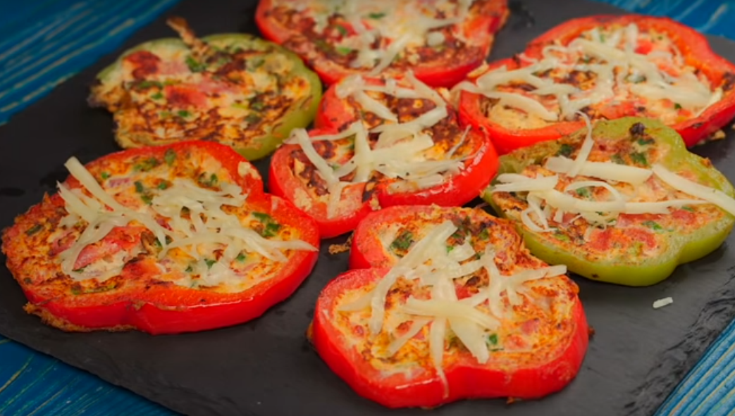 Омлет-пицца в перце: идеально к завтраку