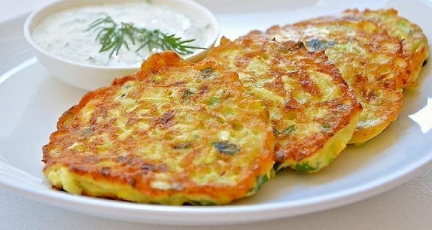 Кабачковые оладьи с сыром и морковью: здоровое питание в вашем меню