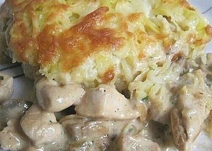 Вкуснейшая курица с грибами под картофельной шубкой