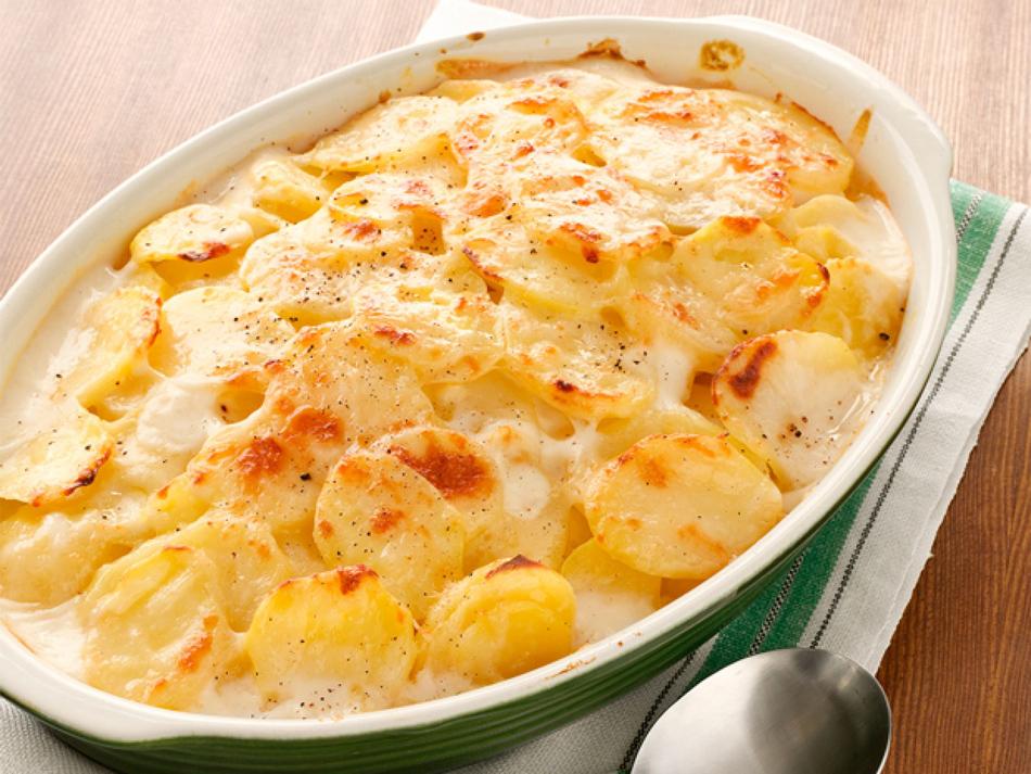 Аппетитная картошечка с сыром (готовим в духовке)