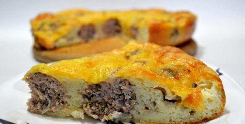 Сытный пирог с фрикадельками: вносим разнообразие в повседневное меню