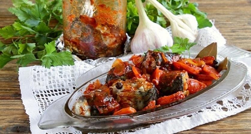 Скумбрия в банке с овощами: еще один шикарный рецепт для любителей рыбы