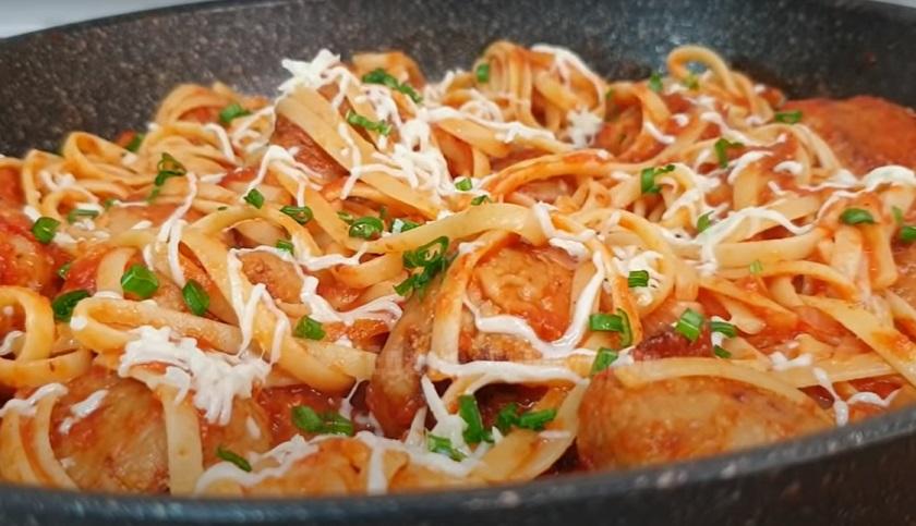 Фрикадельки со спагетти в томатном соусе: вот как нужно готовить