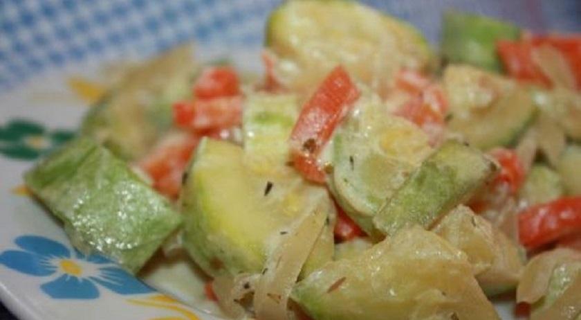 Вкусное блюдо из кабачков в мультиварке: и детям нравится, и фигуре не навредит