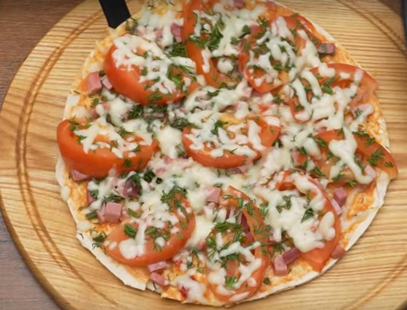Пицца на сковороде: быстрый завтрак