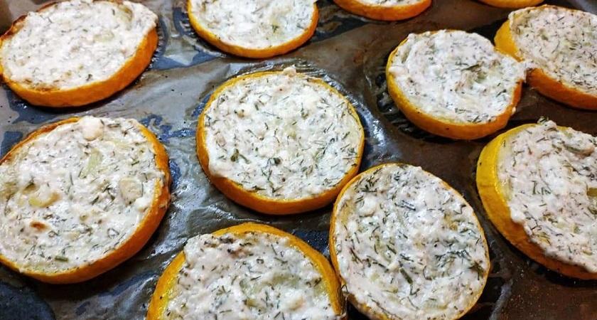 Вкусные кабачки в духовке с сыром фета: лучше запекать, чем жарить