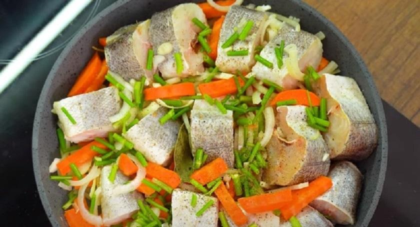 Рыба со вкусом раков: как приготовить оригинальное блюдо из минтая или хека
