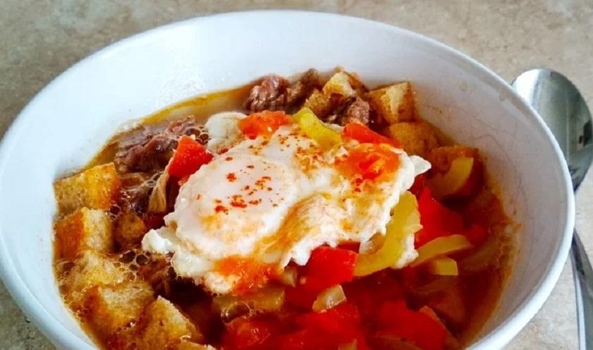 Мадридский чесночный суп: простой, быстрый, исцеляющий
