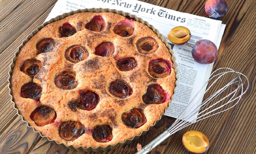 Легендарный сливовый пирог: побалуйте себя в сезон вкусной выпечкой