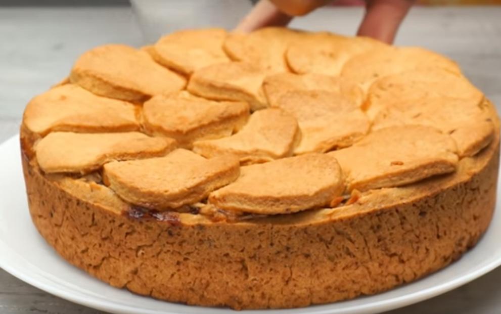 Аппетитный пирог с яблоками