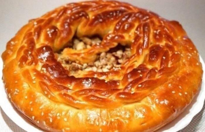 Вкуснейший пирог на кефире с курицей