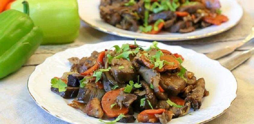 Мясо с баклажанами в духовке: вкусное блюдо в вине