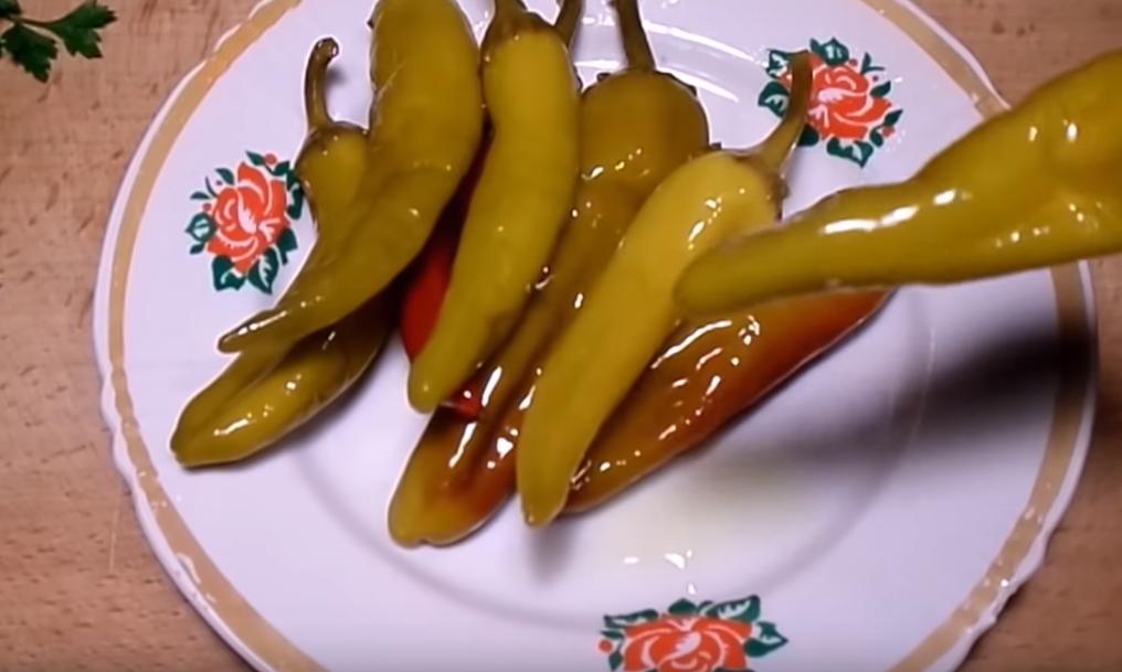 Острый перец на зиму по-турецки
