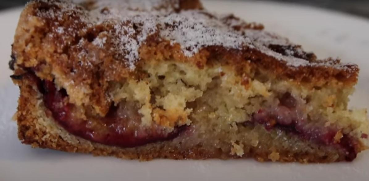 Вкуснейший сливовый пирог с сахарной корочкой