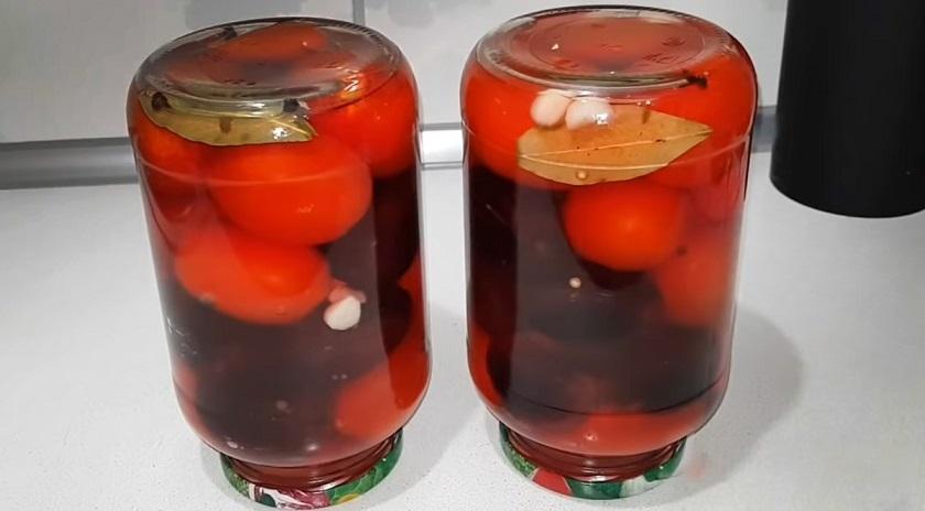 Маринованные помидоры со сливами: ароматная заготовка на зиму