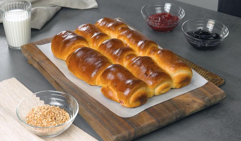 Молочные булочки с начинкой: восхитительно нежная выпечка для завтрака