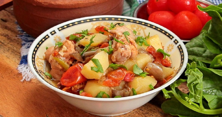 Чанахи с курицей по-грузински: бесподобное тушеное мясо с овощами