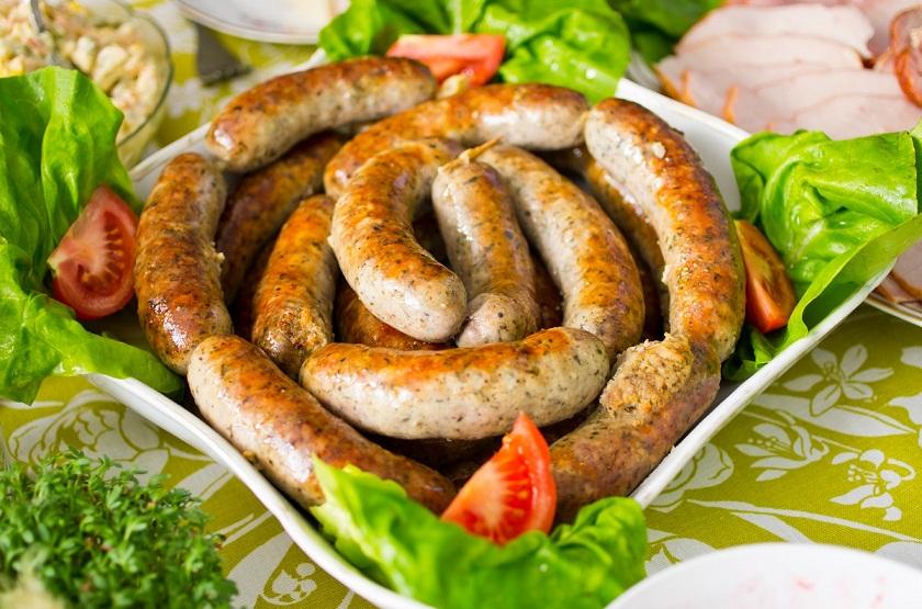 Домашняя куриная колбаса: готовится легко и просто