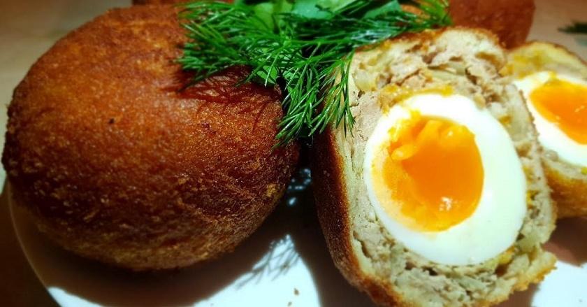 Необычные яйца по-шотландски: прекрасная мясная закуска в вашу копилку