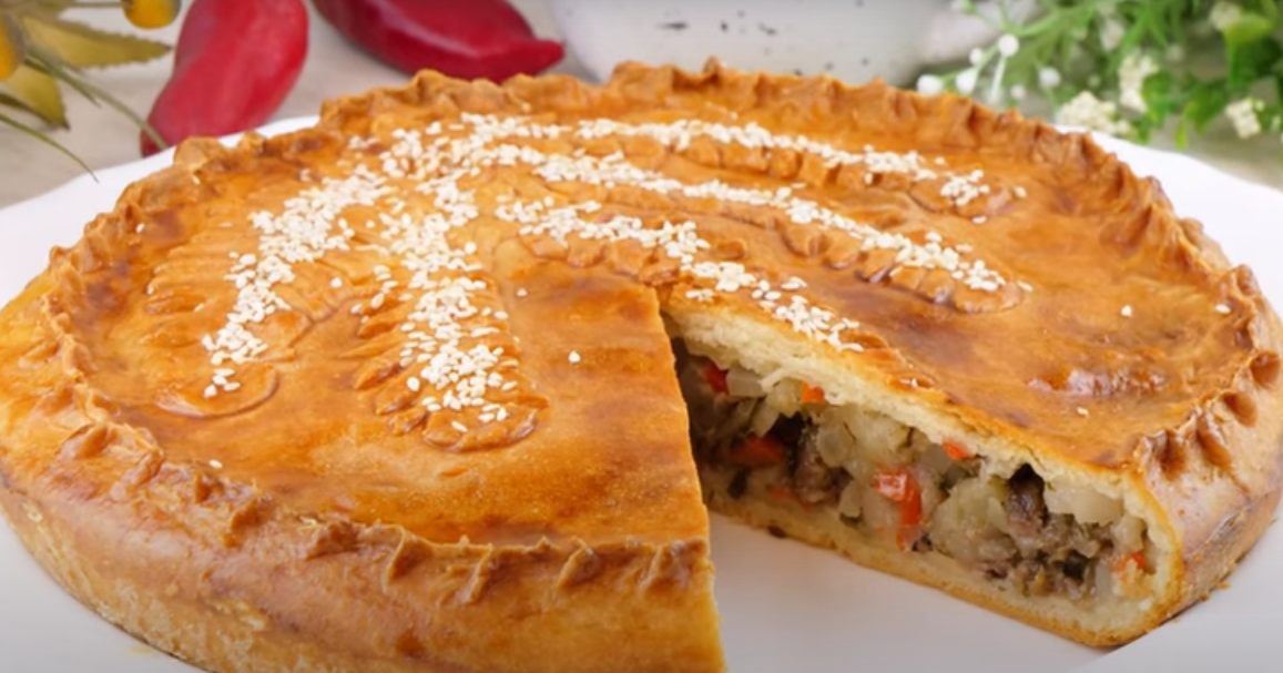 Бездрожжевой пирог с мясом и картофелем