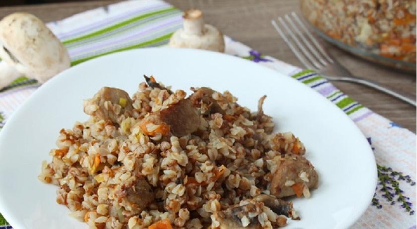 Рассыпчатая гречка с мясом и грибами: вкусное блюдо из простой крупы