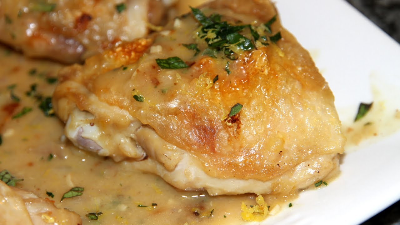 Куриные бедра в сметанном соусе