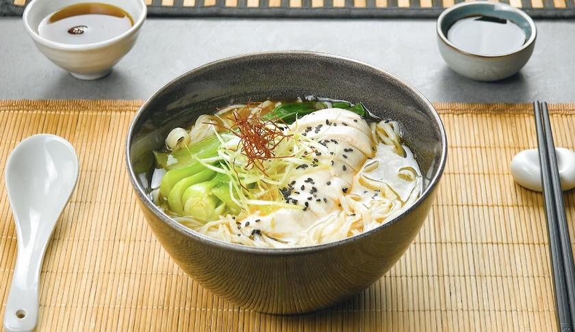 Лапша рамен по-домашнему: как приготовить японский суп